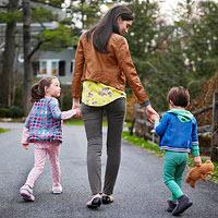 Прогулка с маленьким ребенком: извлекаем максимум пользы