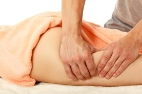 Антицеллюлитный массаж: тонкости борьбы с апельсиновой коркой