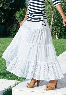 Морской стиль в одежде - белая длинная юбка