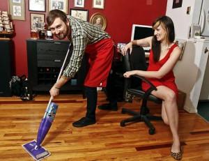 Муж не хочет помогать по хозяйству – что делать