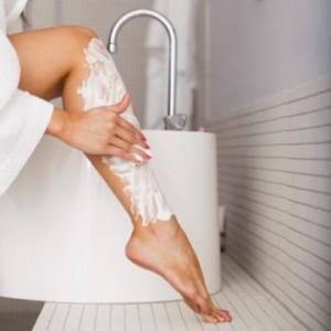 Как правильно брить ноги: 7 хитростей для гладкой кожи