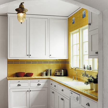 зрительно увеличить маленькую кухню