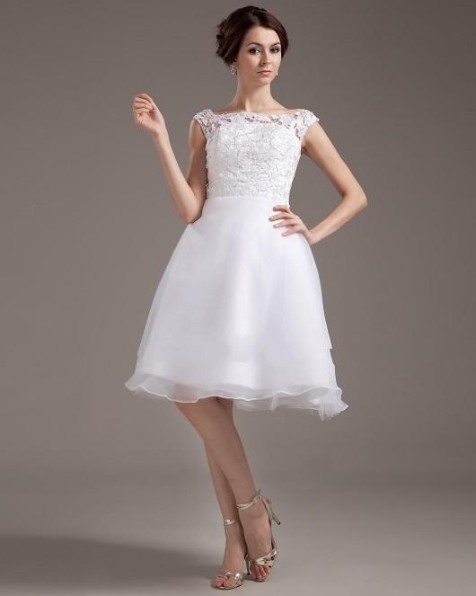 Преимущества коротких свадебных платьев