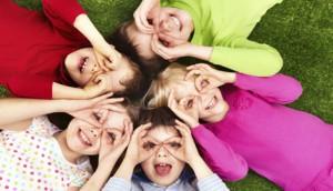 Как научить ребенка дружбе?