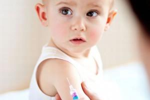 Как правильно подготовить ребенка к прививке?