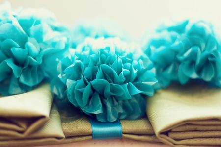 бумажные цветы для праздничного декора