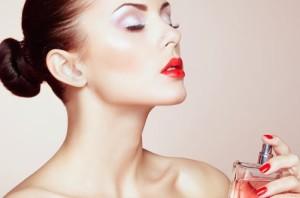 Как правильно наносить духи, чтобы аромат дольше держался