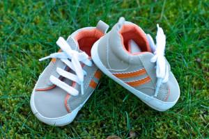 Как правильно выбрать детские кроссовки