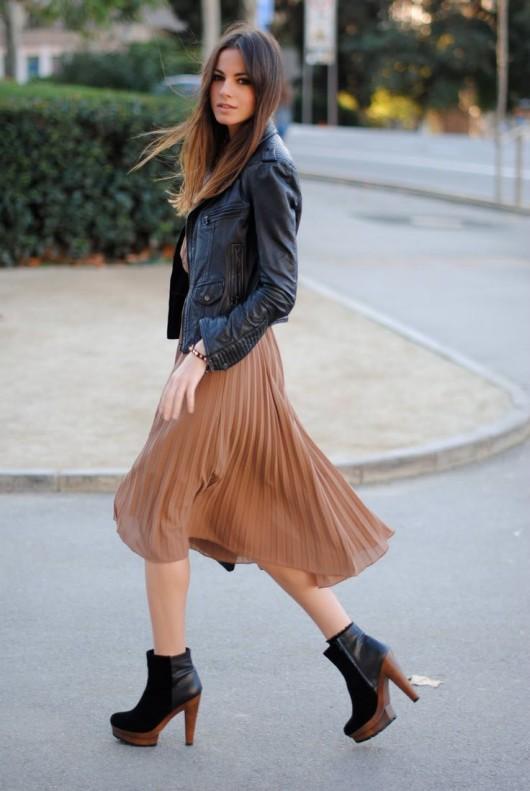 с чем носить плиссированную юбку миди