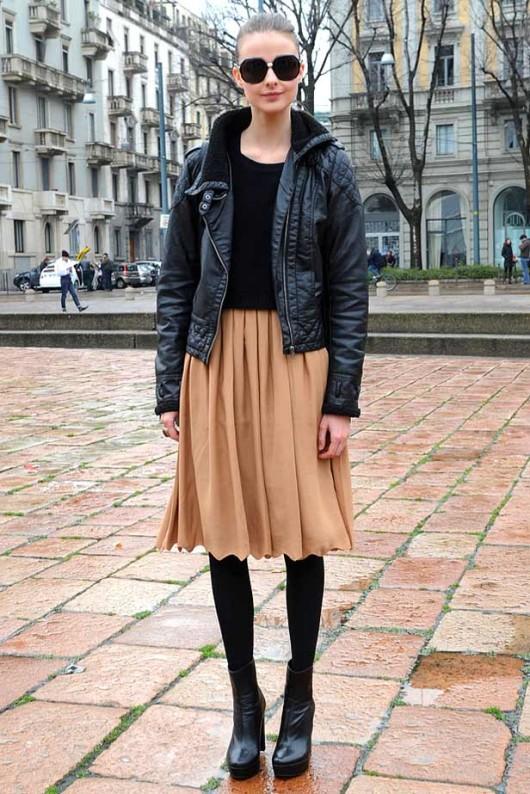 с чем носить плиссированную юбку до колена