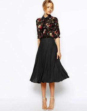 с чем носить черную плиссированную юбку
