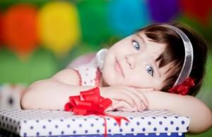 Что подарить на день рождения девочке 6 лет: от Барби до развлечений