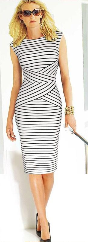 полосатое летнее платье для офиса