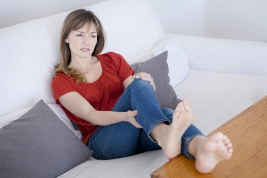 боль в колене после родов: причины