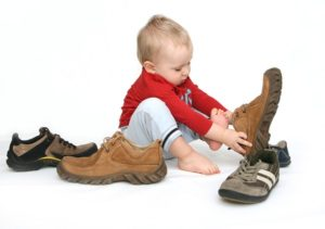 Плоскостопие у детей: как правильно выбрать детскую обувь