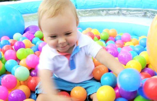 бассейн с шариками для ребенка