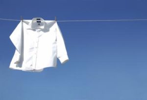 Как вывести пятно от ржавчины на белой одежде