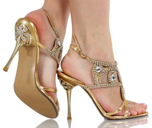 приснились туфли на каблуке