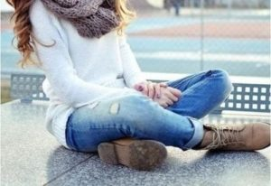 С какой обувью носить джинсы-бойфренды
