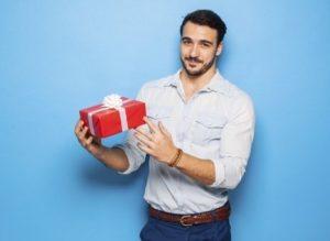Что подарить мужчине на день рождения – недорого и со вкусом