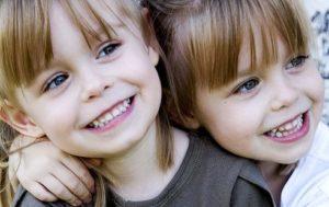 Одежда для близнецов и двойняшек