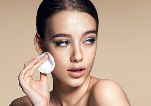 хитрости макияжа для жирной кожи