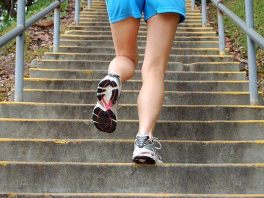 как похудеть с помощью лестницы