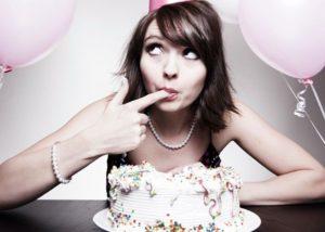 Как оригинально поздравить подругу с днем рождения: 5 лучших идей