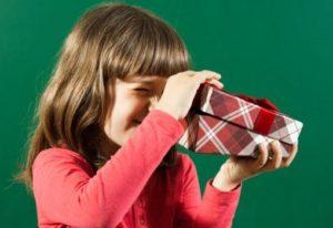 Что подарить на день рождения девочке 8 лет: 10 идей для подарков на любой вкус