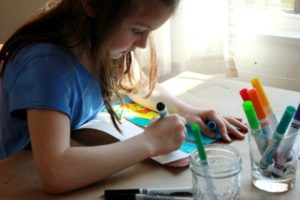 Чем занять ребенка 7 лет дома в выходной день: 8 лучших идей