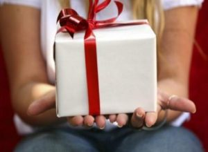 Что можно подарить парню на день рождения: недорогое, но оригинальное