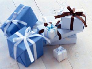 Что подарить девушке 20 лет на день рождения