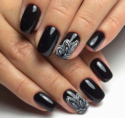черные ногти 2018
