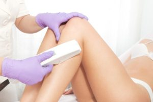 Лазерная эпиляция ног: отзывы, плюсы и минусы