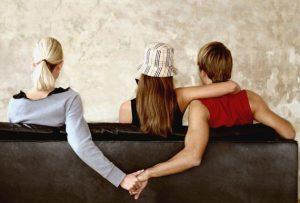 Что делать, если муж изменяет и врет, а уходить не хочет