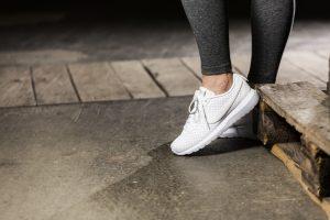 Популярные кроссовки Найк для женщин