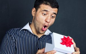 Что подарить мужчине на 30 лет: идеи подарков