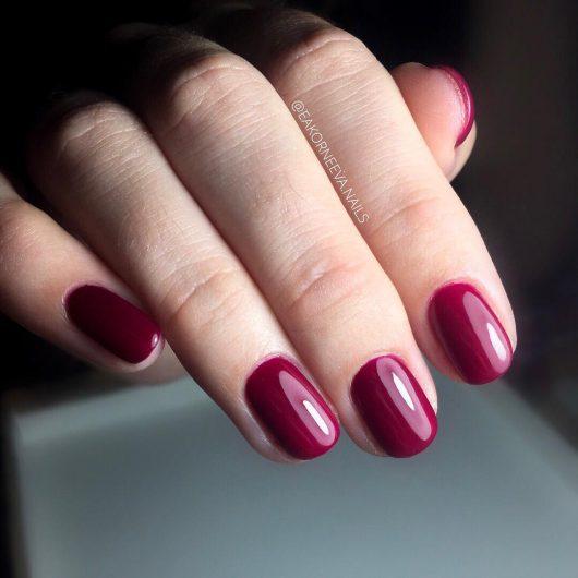 ногти ягодный цвет