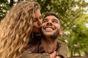 Мужчина Рак и женщина Овен - совместимость в любви и отношениях