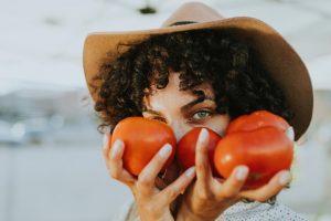 К чему снятся помидоры красные женщине во сне