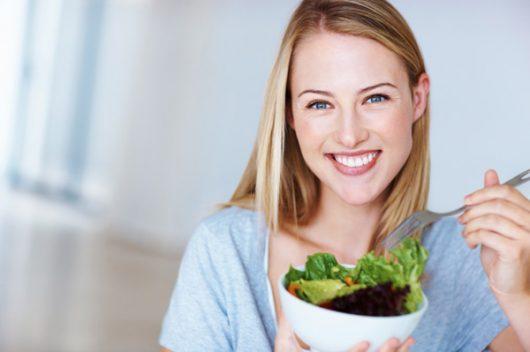 Как выглядеть моложе своих лет: 10 полезных рекомендация для женщин любого возраста